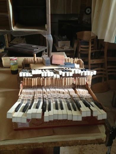 Pianokeysfront